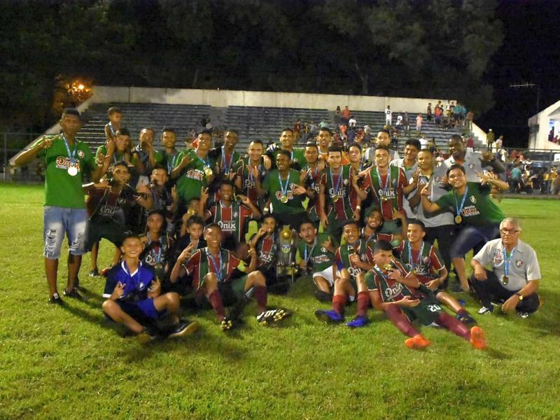Fluminense vence o River e foca com título do Piauiense Sub-19