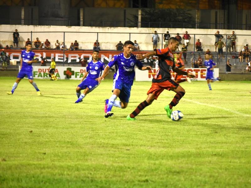 Parnahyba vence o Flamengo e assume liderança do estadual