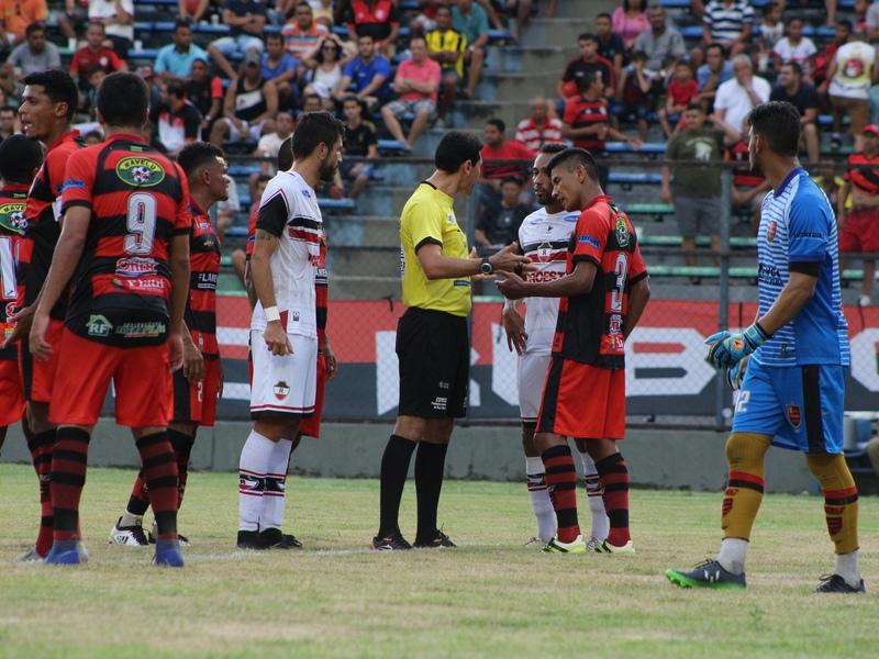 River e Flamengo empatam no primeiro Rivengo do ano